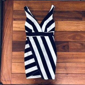 Solemio mini dress black and white asymmetrical S